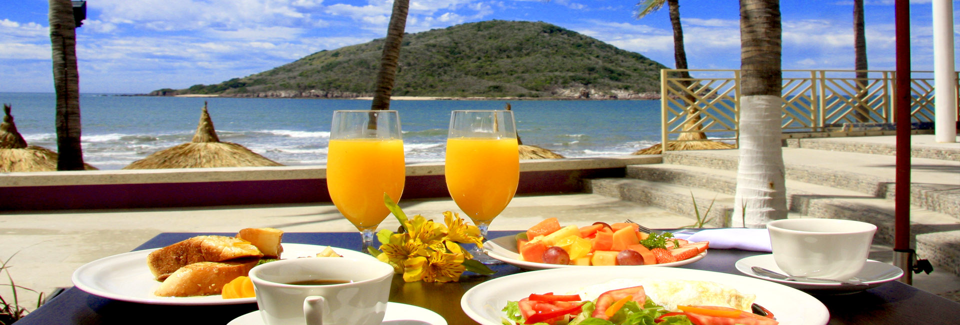 restaurantes en la playa mazatlan